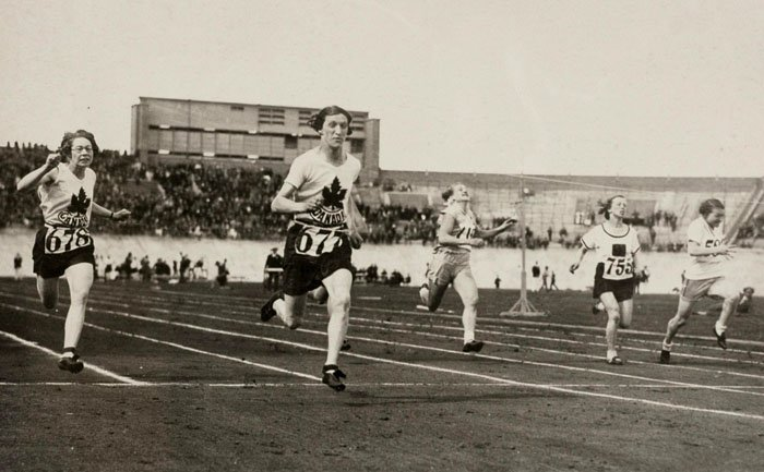 Ethel_Smith_Fanny_Rosenfeld_1928_Olympics